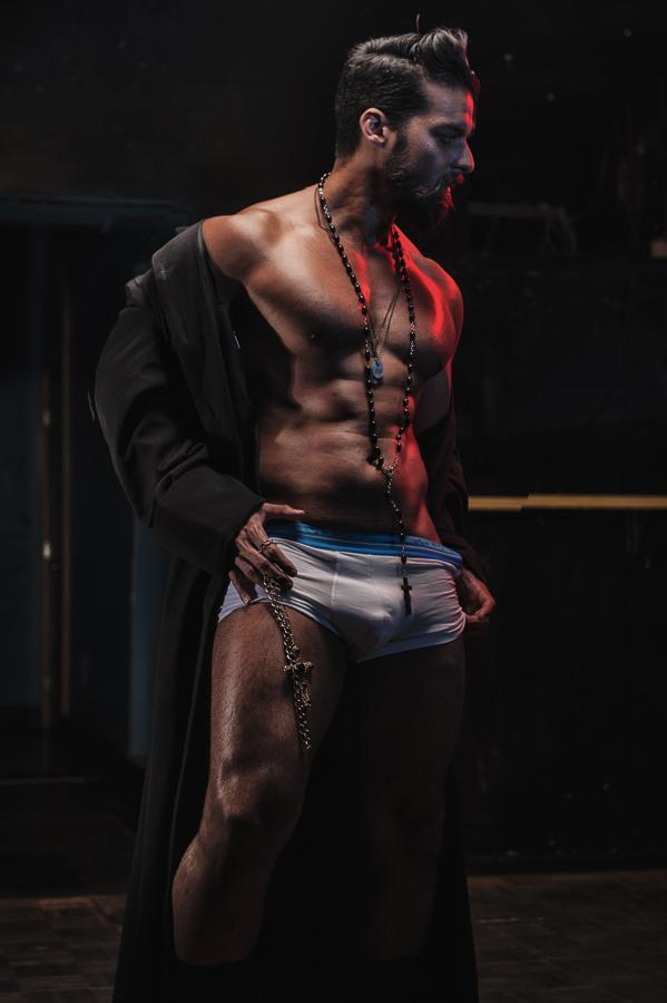 "Possibly NSFW: My photoshoot with @outmagazine ""Let's Strip Like Magic Mike"" is... out! http://t.co/QeGN8FdyV8 http://t.co/L9Ur3mFkyc"