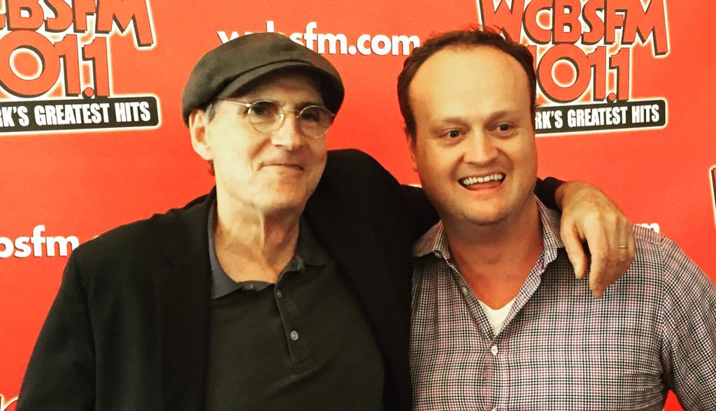 Congratulations to @JamesTaylor_com for finally making it to No. 1 on the album chart. Only a 45 year wait! http://t.co/n0VTVpo3KD