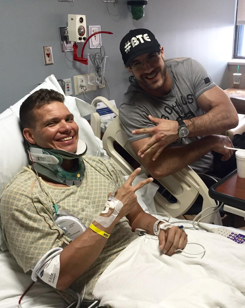 Surgery was a success!  This guy always reminds me what friendship means through and through Pro inside and OUT #BTE http://t.co/bwW957CfxJ