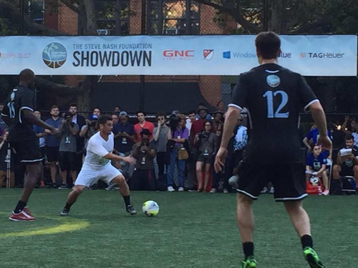 NBA and soccer greats play neighborhood soccer for a great cause. @SteveNashFdn @LuolDeng9 @matthewdelly @GNCLiveWell http://t.co/J3rPIafgUR