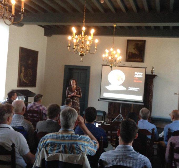 Gastspreker Irene Lammers licht de Digitale Agenda toe tijdens ons seminar