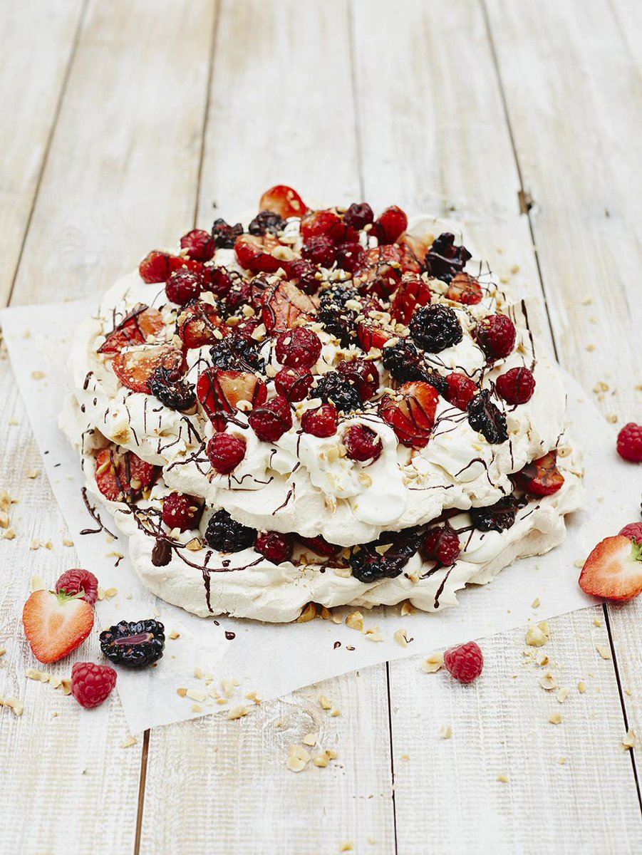 A very special strawberries & cream #recipeoftheday to kick off #Wimbledon today - Eton mess! http://t.co/KiwtLge8LK http://t.co/q3SXnwjd9H