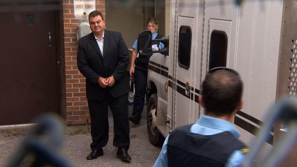 Dean Del Mastro, pictured with his hands cuffed and legs shackled. Via @MDroletGlobalTV #cdnpoli http://t.co/bHBzkWGAre