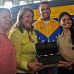 #Monagas | Entregan tabletas a 592 estudiantes de bachillerato http://t.co/JM4rc3gJth #Maturin #VenezuelaNoSeRinde http://t.co/4GeGmFpzSf <