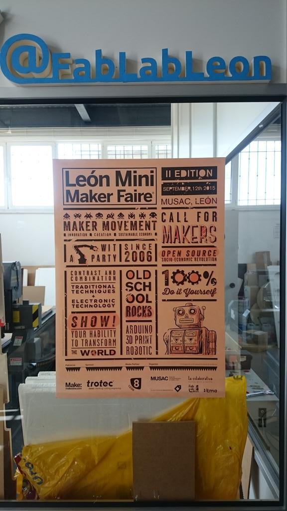 Primer cartel de la feria colocado en @fablableon. Gracias por su diseño a Quique de @lacolaborativa de #leonesp http://t.co/HDLwHq3bUv