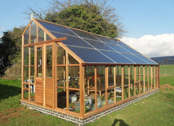 Oriëntatie van uw dak niet geschikt voor #zonnepanelen? #Daktip: benut uw tuinhuis.. @fireman_seb @PePRoosendaal http://t.co/owDSiXacIj