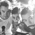 100 thoughts weve had in the #100DaysSinceZaynLeft One Direction http://t.co/0LXFVxyhtU http://t.co/mZdSZ0Wszk