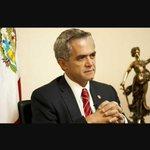 Lic @ManceraMiguelMX pide la Renuncia a todo su gabinete ???? Felicidades Decisión Firme. Me ofrezco de Asesor Lic . ???????????? http://t.co/H8XGN2m796