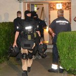 SEK-Einsatz in #Berlin: Mann sagte, er werde bedroht – und führte alle an der Nase herum! http://t.co/L3niqmZfJq http://t.co/fJC5vmaaRD