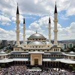 Beştepe Millet Camiinin, birliğimizin,beraberliğimizin ve kardeşliğimizin güçlenmesine vesile olmasını diliyorum.RTE http://t.co/Hl6MnTBij3