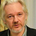 Presidente francés rechaza dar asilo a Julian Assange, fundador de WikiLeaks http://t.co/Z3AViZnyn4 http://t.co/pIhYmEZqFP