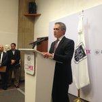 """#SiTeLoPerdiste: Mancera pide renuncia a todo su gabinete para """"evaluarlo"""" http://t.co/VGfeR7F3p4 http://t.co/i0hGBXH0Ni"""