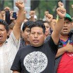 La CNTE, por la libre. Magisterio michoacano sigue manifestandose contra la evaluación docente http://t.co/LrPnobbMgC http://t.co/ebxCsIIpqo