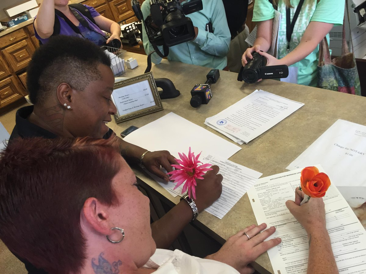 Annice and Amber Hamilton are the first #LGBT couple to marry in Mississippi. #LoveWillWin http://t.co/i84922PEyB