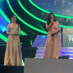 RT @filmfare: The elegant @tamannaahspeaks presents the award to @shreyaghoshal. #BritanniaFilmfareAwards South. http://t.co/NM11aQdM8C