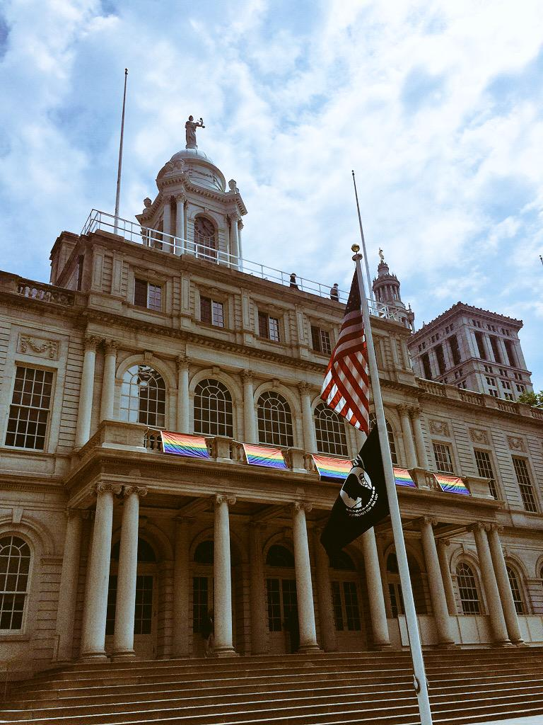 New York City Hall immediately puts up rainbow flags to celebrate today's ruling! HISTORIC DAY! http://t.co/XLaaPfd4j3