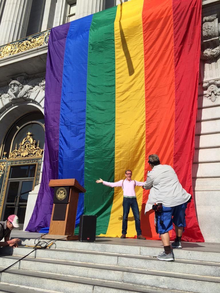 #LoveWins #SCOTUSMarriage #SanFrancisco http://t.co/jynLBmrXtM