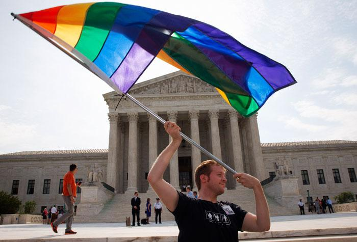 BREAKING NEWS: U.S. Supreme Court rules for marriage equality - http://t.co/h29Ej6aJrR  #gay #LGBT http://t.co/kPLhgtlZNk