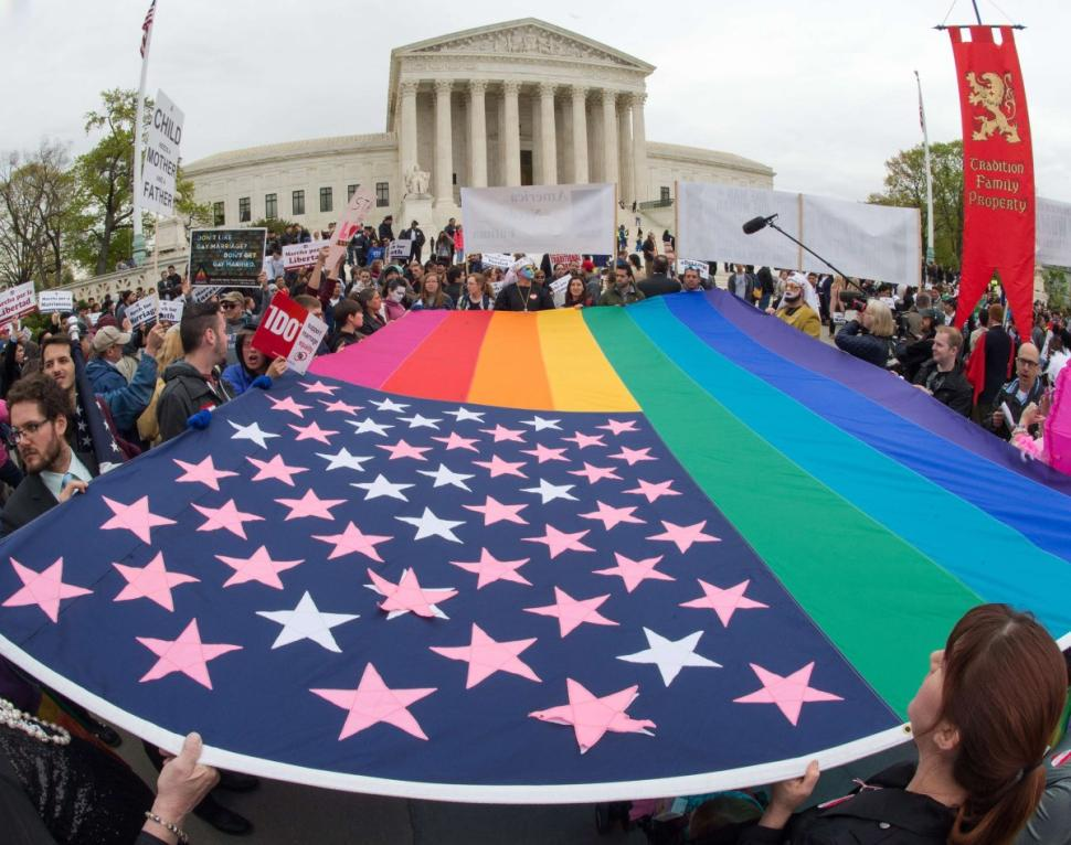 BREAKING: Same-sex marriage is now legal in all 50 states. http://t.co/85bDT8msyy http://t.co/3dXO3ufOuD