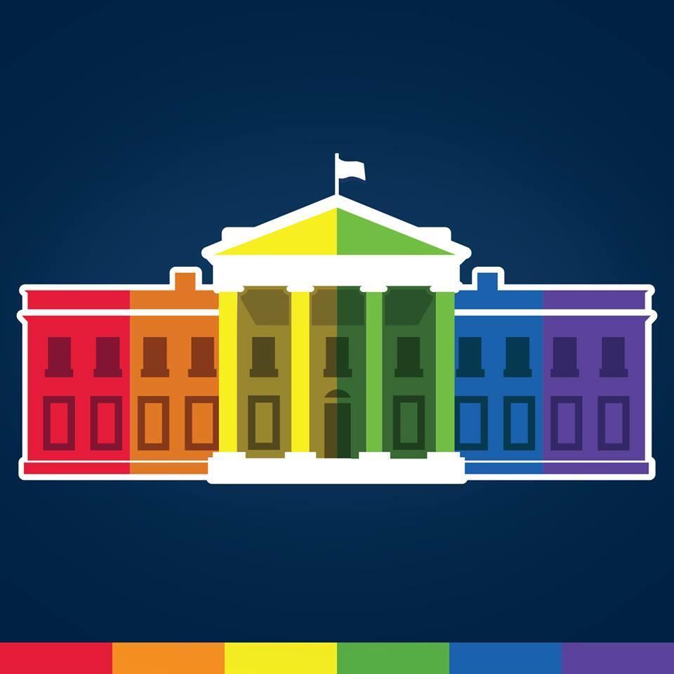 La página oficial de Casa Blanca en facebook cambia su foto de perfil a una con la bandera de la comunidad LGBTT http://t.co/s4mAZCsxft