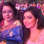 RT @filmfare: So cute!   The pretty & melodious @shreyaghoshal clicks a selfie with her mom at the #BritanniaFilmfareAwards South. http://t…