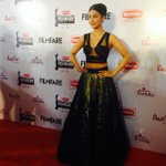RT @filmfare: .@shrutihaasan glams up the red carpet in Abu Jani and Sandeep Khosla for the #BritanniaFilmfareAwards South http://t.co/HfgL…