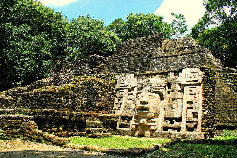 A3: Best places to visit during the day would be the Maya Ruins at all corners of the country! #TravelSKills http://t.co/a75M3G46Zs