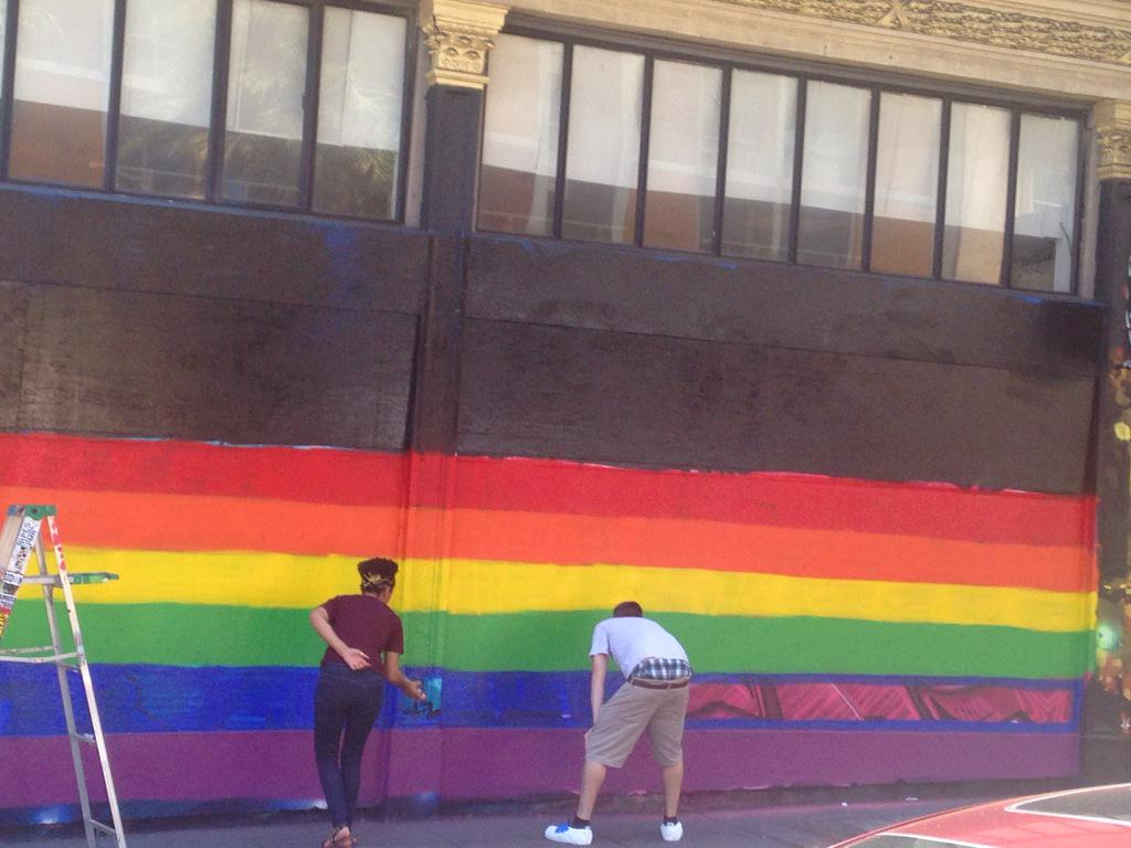 Painting rainbows in #SanFrancisco right now #LoveWins http://t.co/TMiDl6LWFO