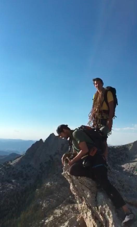 Me, @renan_ozturk + @alexhonnold on Stegosaurus Ridge. #GreatWideOpen #snapchat http://t.co/RYGeMGGtfS