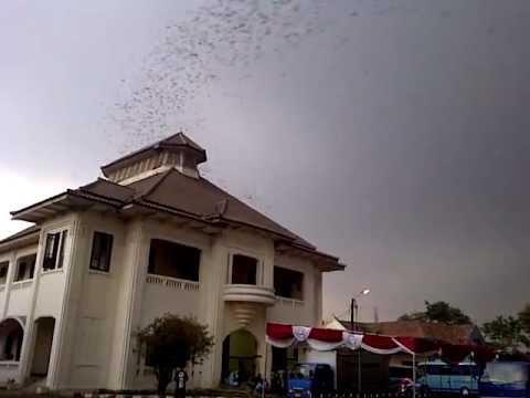 Sebuah Fenomena Misterius Yang Terjadi Di Gedung Juang Kabupaten Bekasi - AnekaNews.net