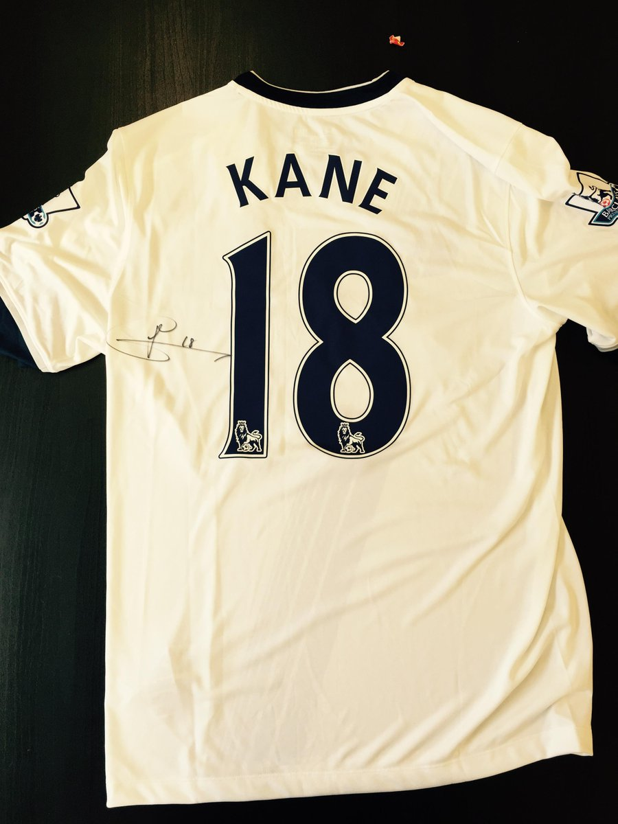 Win a Tottenham Hotspur shirt signed by Harry Kane, simply follow @thespursweb and RT to enter, ends 31/7. #VoteKane http://t.co/mQzvMx67Gx