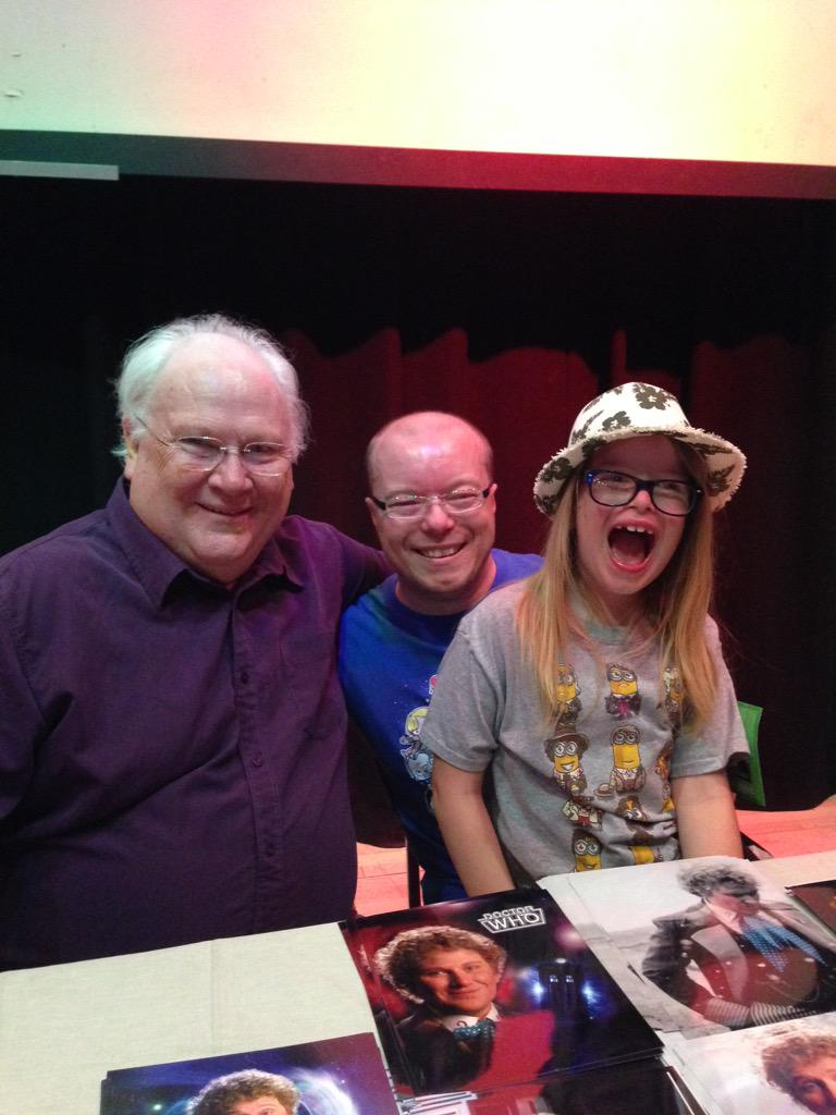 My son Aleks, and myself, meeting @SawbonesHex at @HullComicCon - he's a thoroughly nice chap! A real pleasure! http://t.co/zuWEzFyOQa