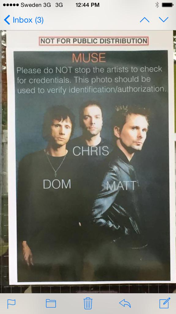 we played with Muse last night. apparently they don't like wearing laminates? http://t.co/ohdhEanHvc