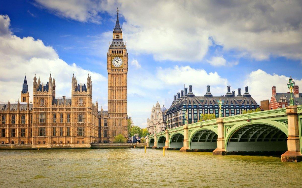 倫敦(ロンドン橋×ビッグベン)→大英図書館→グラストンベリー→グロスター大聖堂 出たのはこんなとこかな? #Fate25 行きたい行きたい。調べたら時期で6日間7万の旅があった。行きたい行きたい。 http://t.co/rQTNZ5XGHD