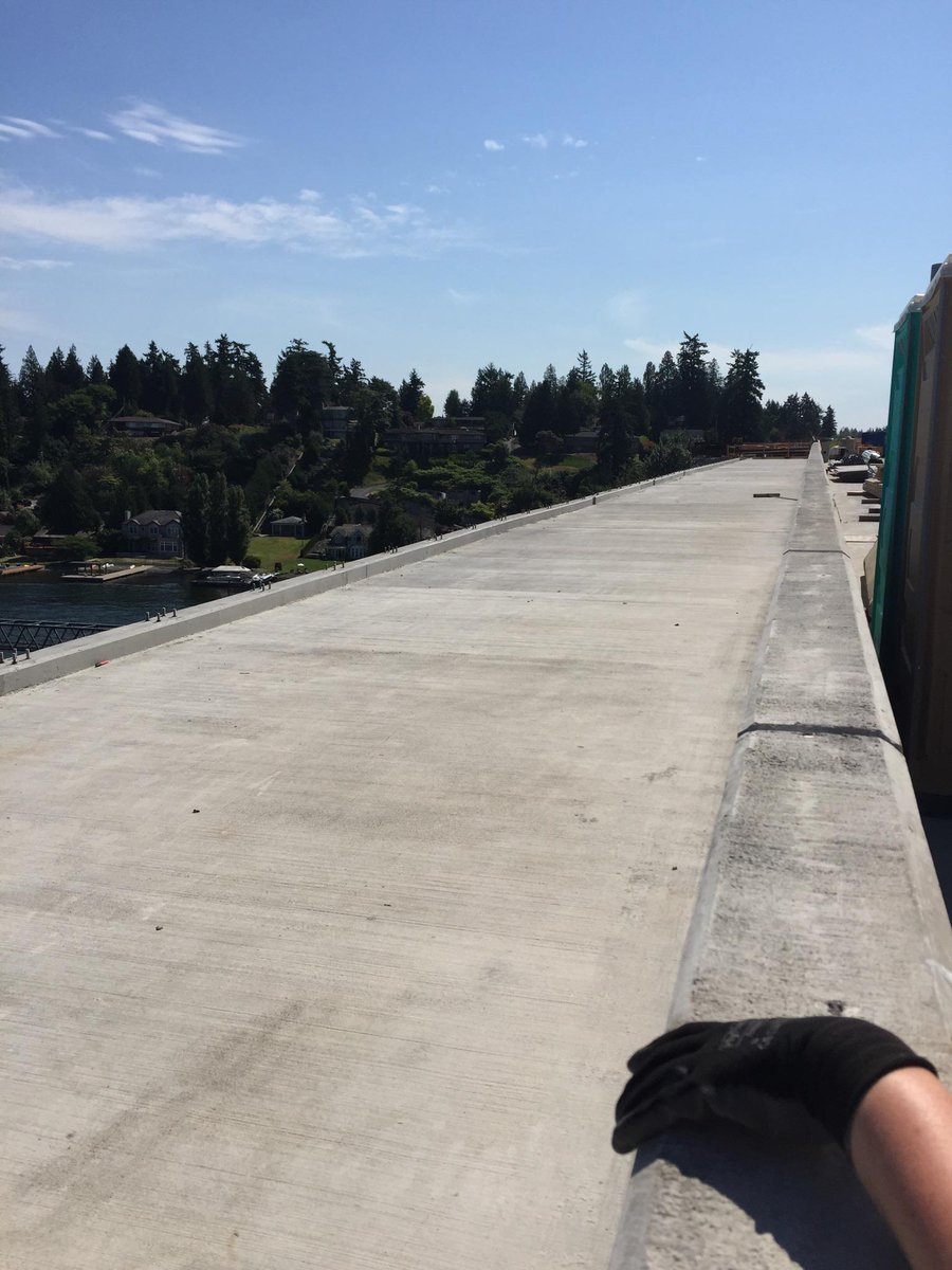 My new (and first) bike lane!!! @CascadeBicycle #bridgetour http://t.co/V0NjMIFy5C
