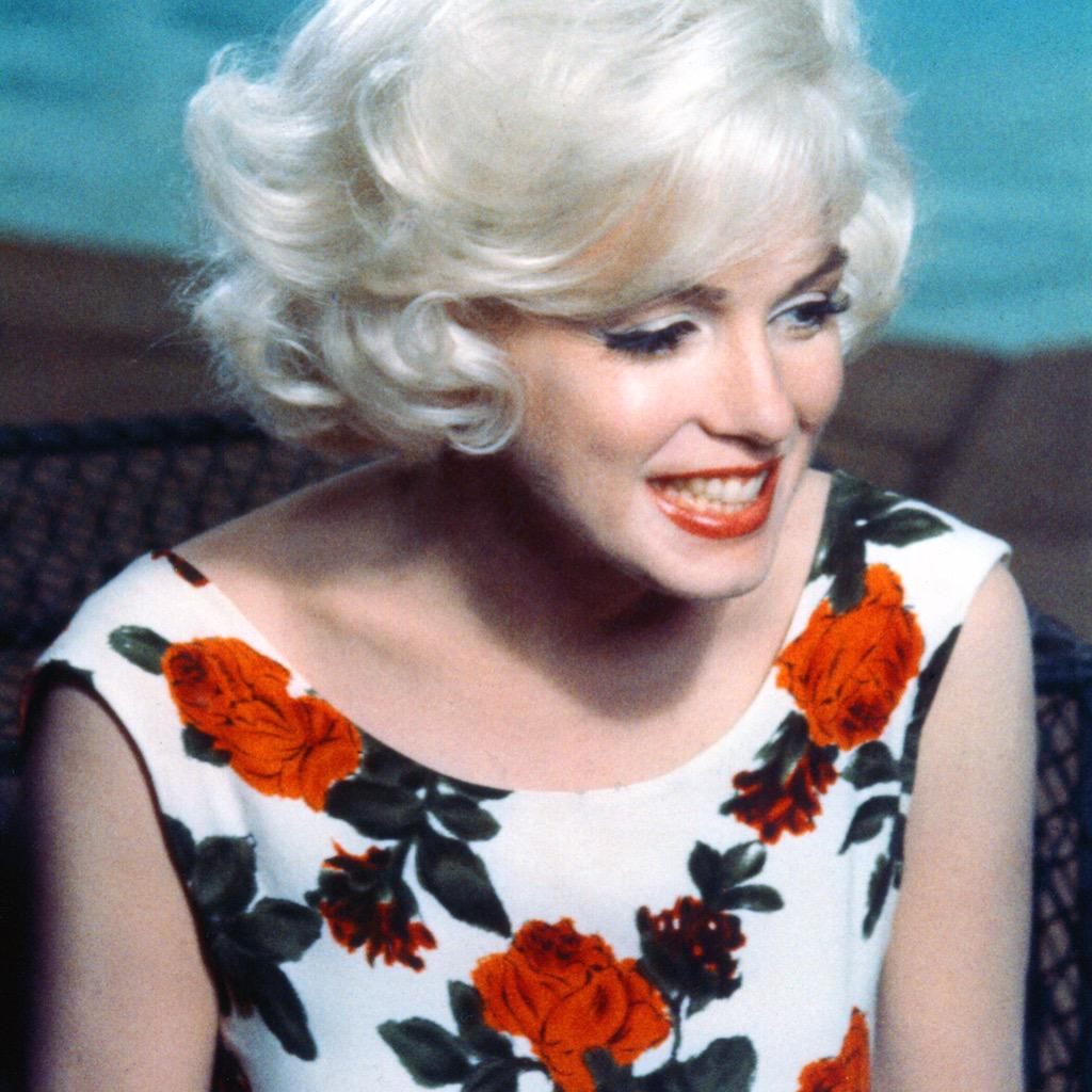 JUST SOLD FOR $353,000! Marilyn Monroe's dress from her final film, Something's Got to Give #MarilynMonroe #Auction http://t.co/7qkYHART0t