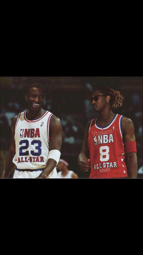Best picture I've seen all day. #Gucci #Future #EastAtlanta http://t.co/WnRF5BwDVF