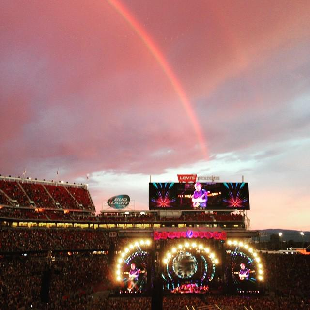 Sunset and rainbow to end the set. How appropriate. ✌️