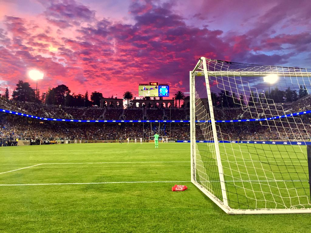 What an incredible sunset over Stanford Stadium for the first #CaliClasico of the year. #SJvLA #Quakes74 #MLS http://t.co/ACWLsNQczQ
