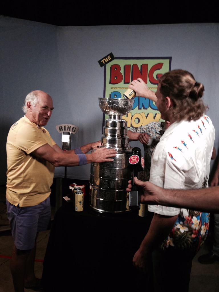From early tonight with Patrick Kane and the #StanleyCup in Chicago. http://t.co/XQHZlXBvGV