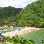 sudah pernah main2 kesini? Pantai Gesing, Gunungkidul. Foto by IG: tirtawahyu #WonderfulJogja  http://t.co/U8yFWxibAN