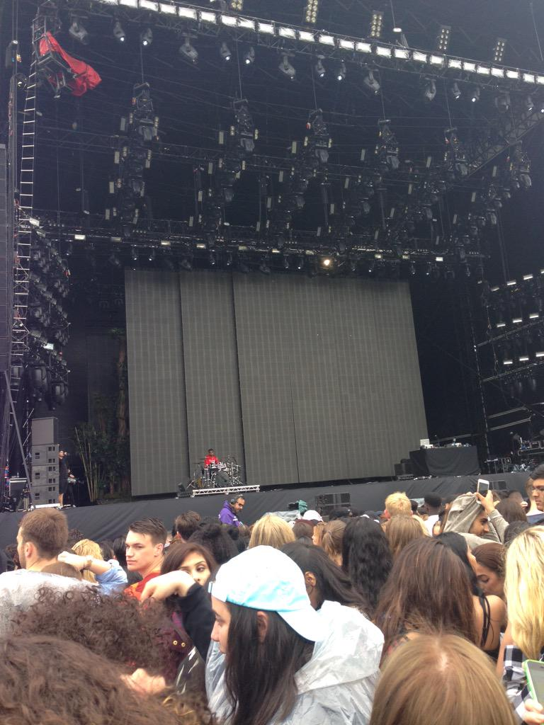 RT @AbbyBarker_ora: @RitaOra we are here!! see you soon! http://t.co/snSxYNOmVf