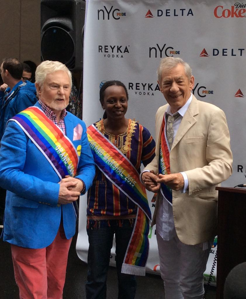 Thank you 2015 Grand Marshals! #NYCPride #completethedream http://t.co/QbQDDqZJ9w