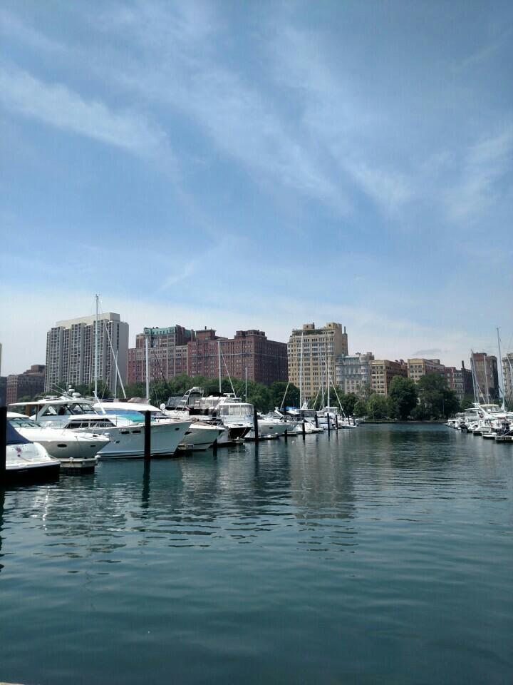 Gorgeous day for sailing with @ChicagoSailboat... #LoveWins #HappyPride #LakeMichigan... https://t.co/AshZkluf8q http://t.co/N5jMSMXOjC