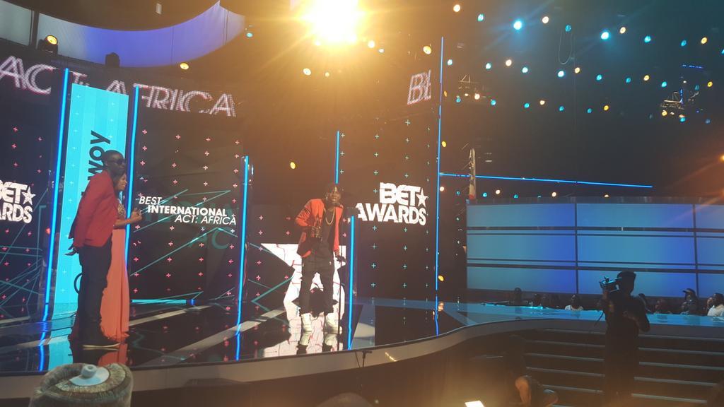And GHANA Won !!!!!!!!!!!!! @stonebwoyb http://t.co/YOo7b6KWBN