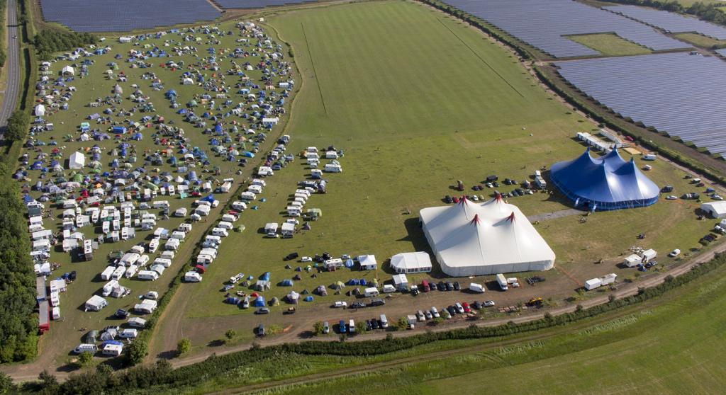 #tg15 from the air on Saturday - 2000 blokes camping & room for more next year! @cvmTheGathering #inafieldnearSwindon http://t.co/VY2SJVXUWS