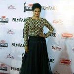 RT @PriyaManiWeb: [New Pic] #BritanniaFilmfareAwards #BeautyInBlack Our Gorgeous Diva @priyamani6 at @filmfare :) http://t.co/qShyuNRu1c
