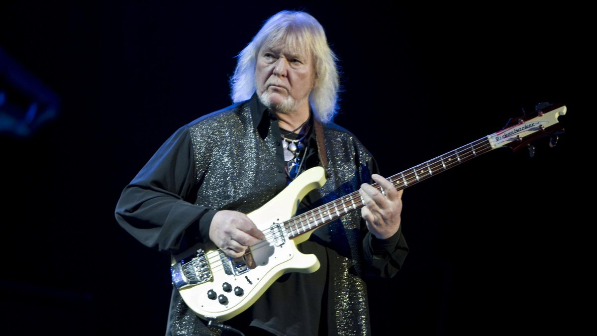 Musicians across the globe have paid tribute to late @yesofficial bassist Chris Squire​: http://t.co/GiMRgS8hz0 http://t.co/AWgTnUVXBV