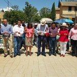 El Presidente Municipal @JavierVillacana inauguró la pavimentación con concreto hidráulico calle Rubí Col. La Joya http://t.co/kc3fBTBl63