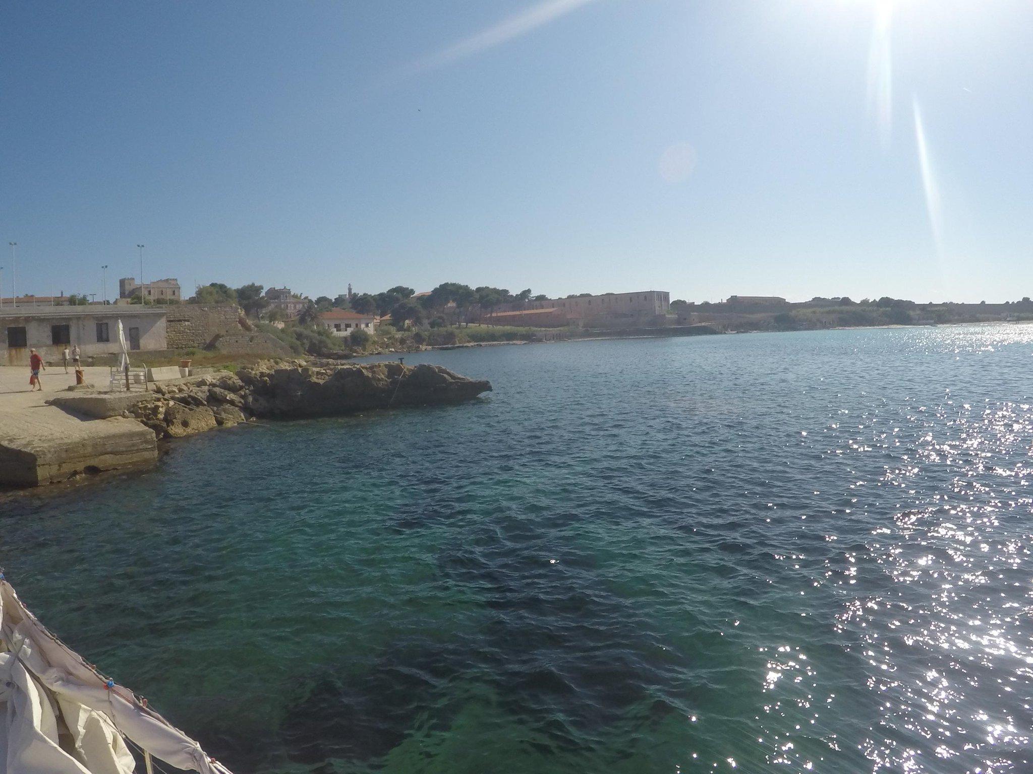 Benvenuti a #Pianosa: siamo tra i 200 fortunati che sbarcano sull'isola #isoletoscane @isoletoscane @DiariToscani http://t.co/gFnezLpBGh